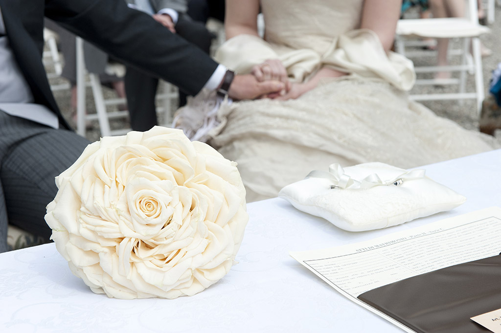Mariage - bouquet intro roses blanc creme